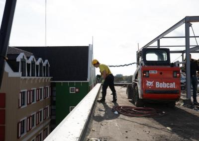 Transformatie kantoor naar hotel in Zaandam