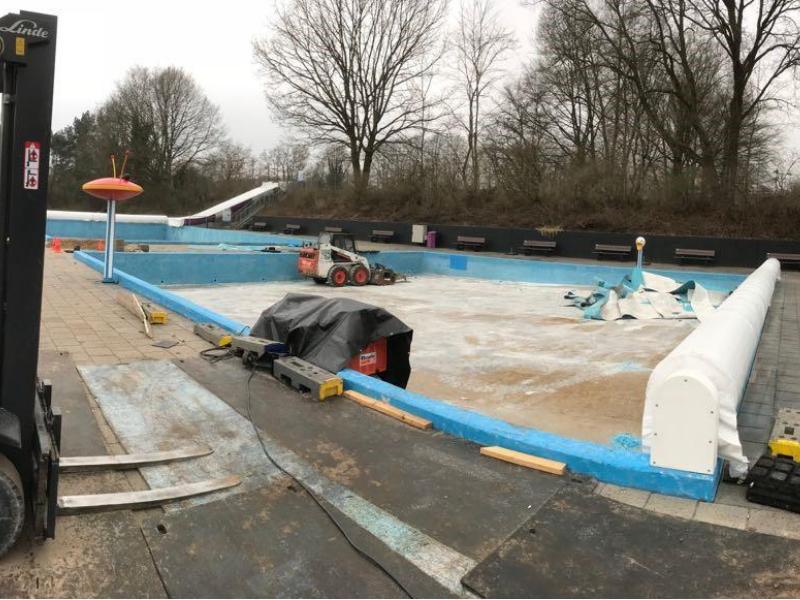 800x600_Projecten_Website_Pongers_Verwijderen_coatinglaag_zwembad_De_Mors_in_Delden
