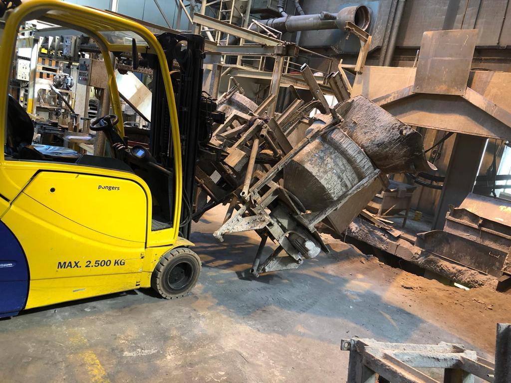 Machinte ontmanteling door Pongers Precisie Sloop in Almelo bij Cirex